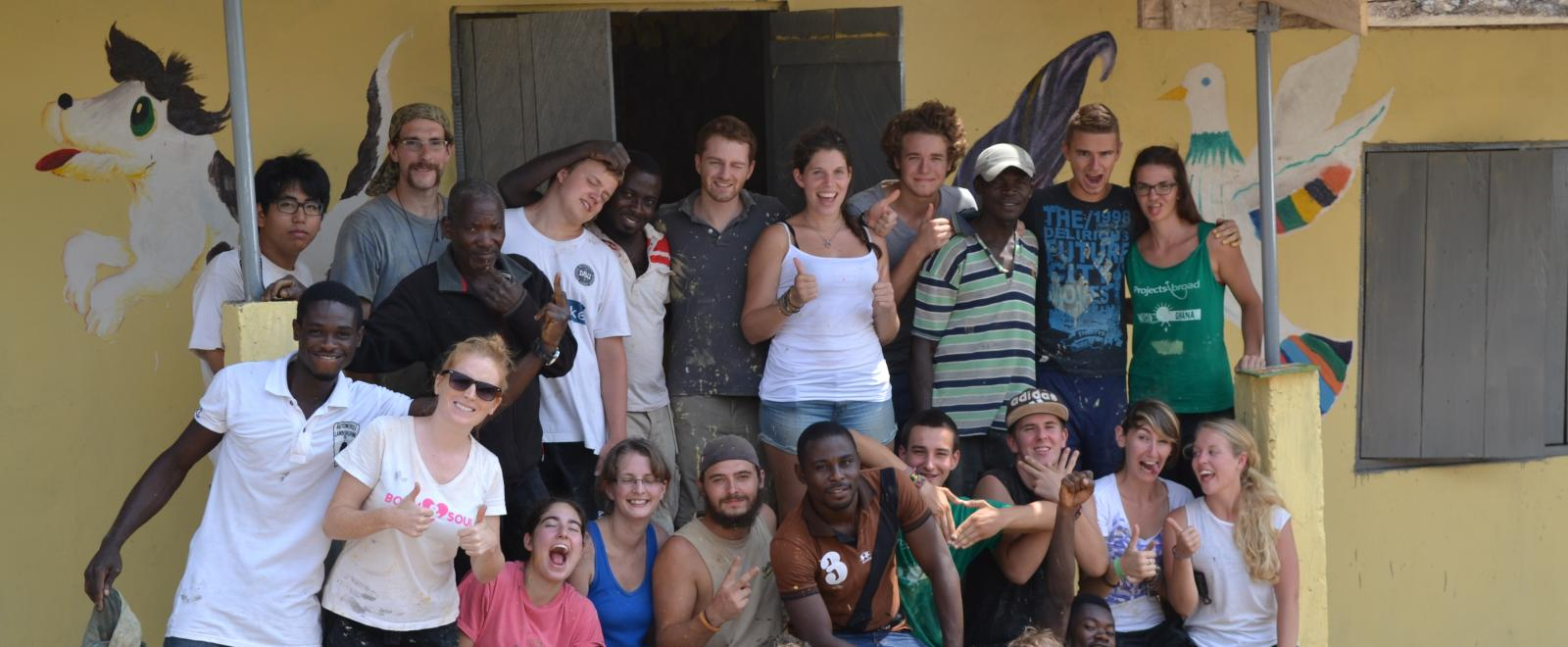 Global Gap Year programme volunteers take a group photo in Ghana